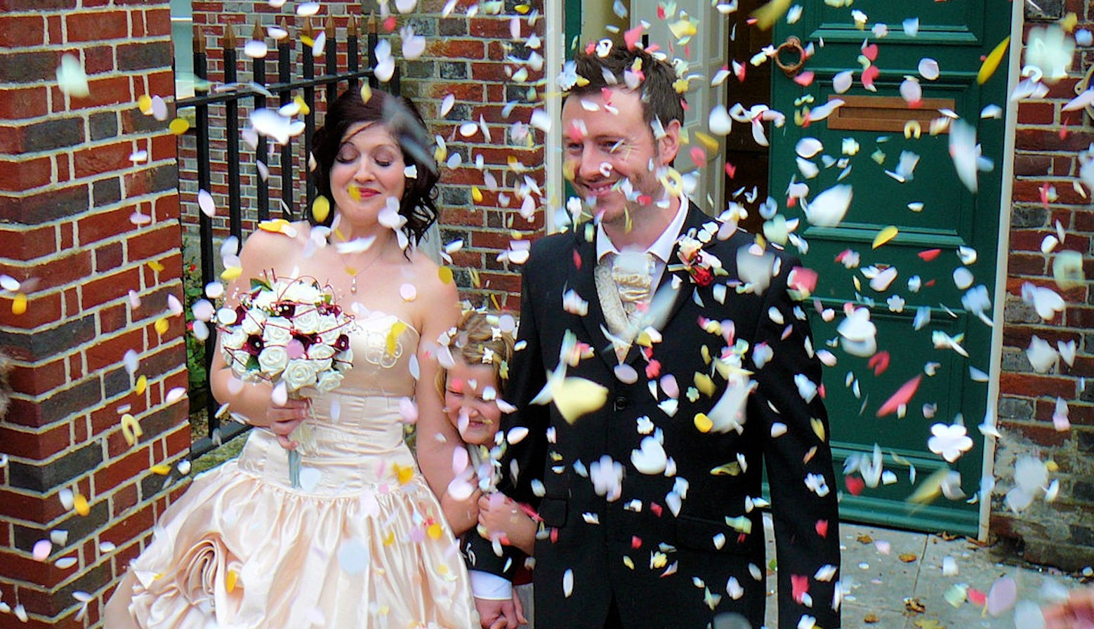 Confetti Bride & Groom